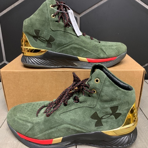 Under Armour Curry Lux Mid Suede Shoe